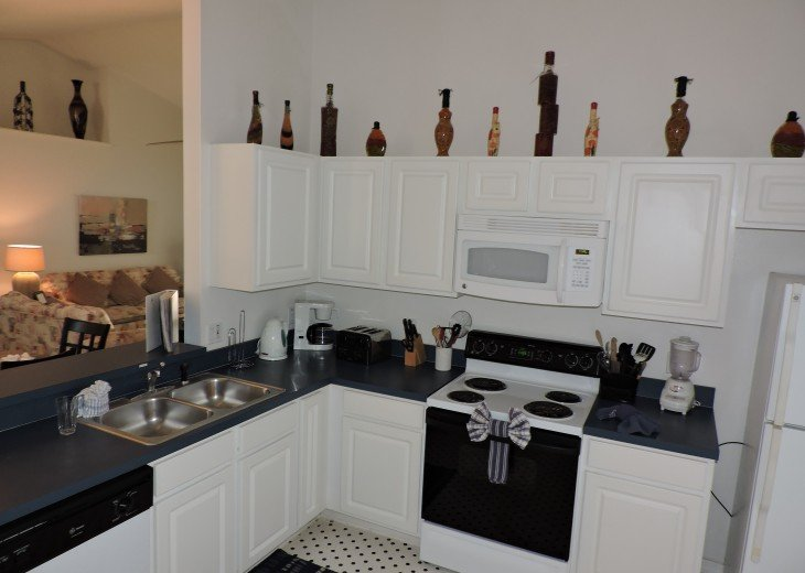 Luxury 3 Bed Villa with private South facing pool .Close to Disney. #5