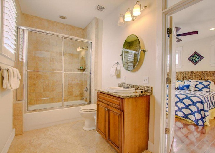 Third floor adjacent bath