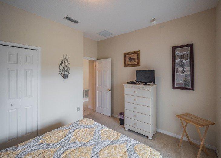 Luxury 6 bedroom villa in a gated community #25