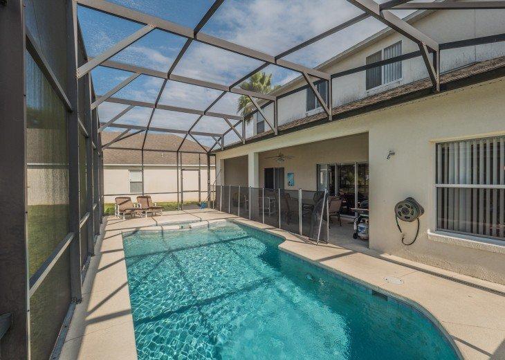 Luxury 6 bedroom villa in a gated community #9