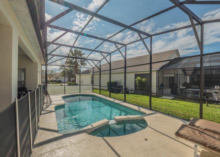 Luxury 6 bedroom villa in a gated community #10