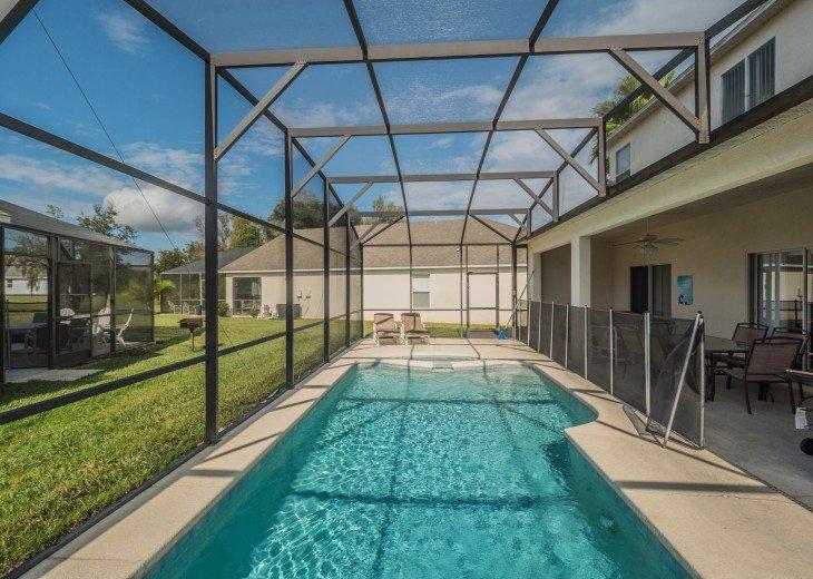 Luxury 6 bedroom villa in a gated community #8