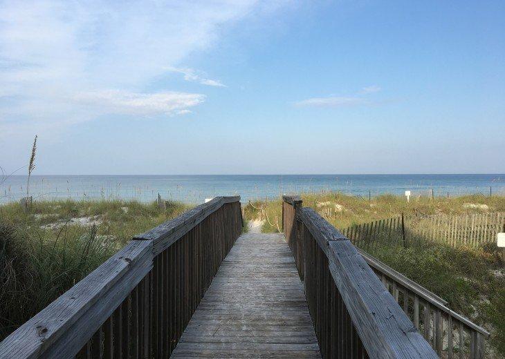 DIRECT BEACH FRONT - 3 Beach Front Decks - Lot's of Extra's - Pet Friendly #27