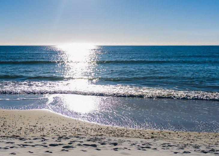 DIRECT BEACH FRONT - 3 Beach Front Decks - Lot's of Extra's - Pet Friendly #29