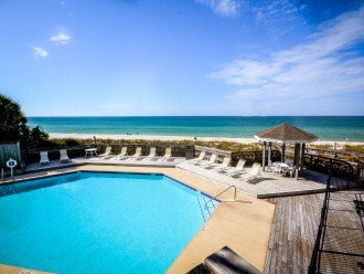 Beachfront pool right next to Paradise - Barrier Dunes 11