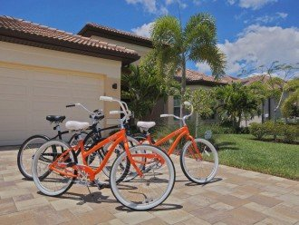 4 bikes for your use at tehe Villa in Cape Coral