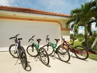 4 bikes for your use at the Villa in Cape Coral