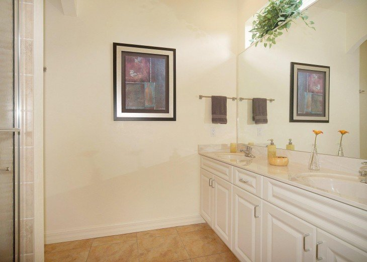 2nd bathroom of the villa in Cape Coral, Florida