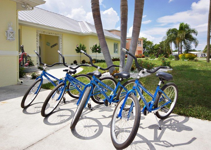 4 bikes for your use at the Villa on Pine Island