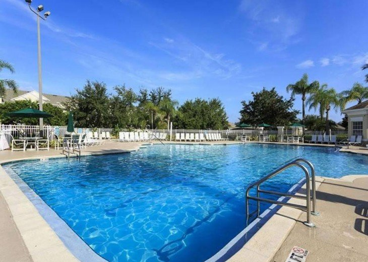 5 Star Updated Windsor Palms Pool Home with 2 Master bedrooms. 4 Bed 3 Bath #37