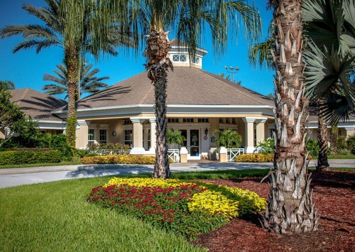 5 Star Updated Windsor Palms Pool Home with 2 Master bedrooms. 4 Bed 3 Bath #35