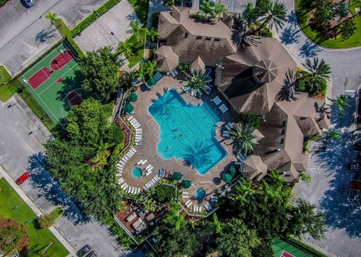5 Star Updated Windsor Palms Pool Home with 2 Master bedrooms. 4 Bed 3 Bath #22