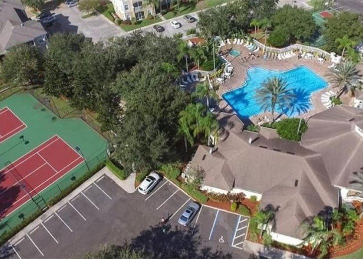 5 Star Updated Windsor Palms Pool Home with 2 Master bedrooms. 4 Bed 3 Bath #32