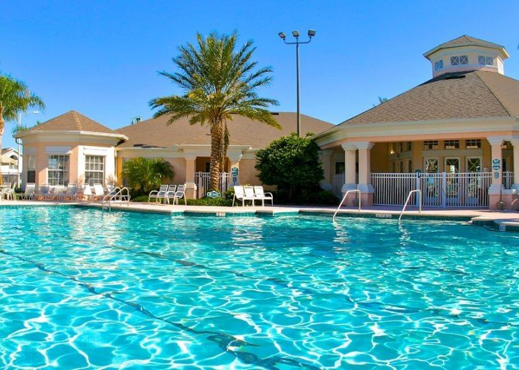 5 Star Updated Windsor Palms Pool Home with 2 Master bedrooms. 4 Bed 3 Bath #45