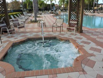 Resort jacussi and pool