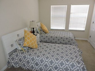 Another twin bedroom