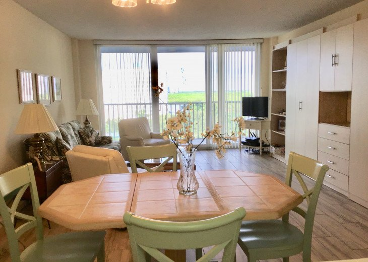 December special at off season monthly rate! Comfortable Condo Naples #5