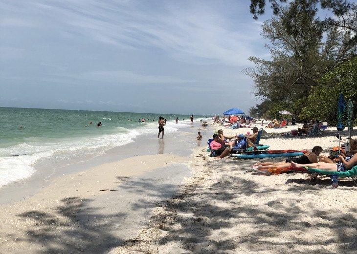 Comfortable Condo Vanderbilt Beach- Fall get-away special off season bargain! #7
