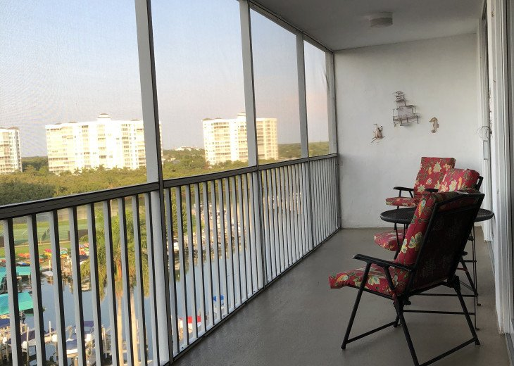 December special at off season monthly rate! Comfortable Condo Naples #6