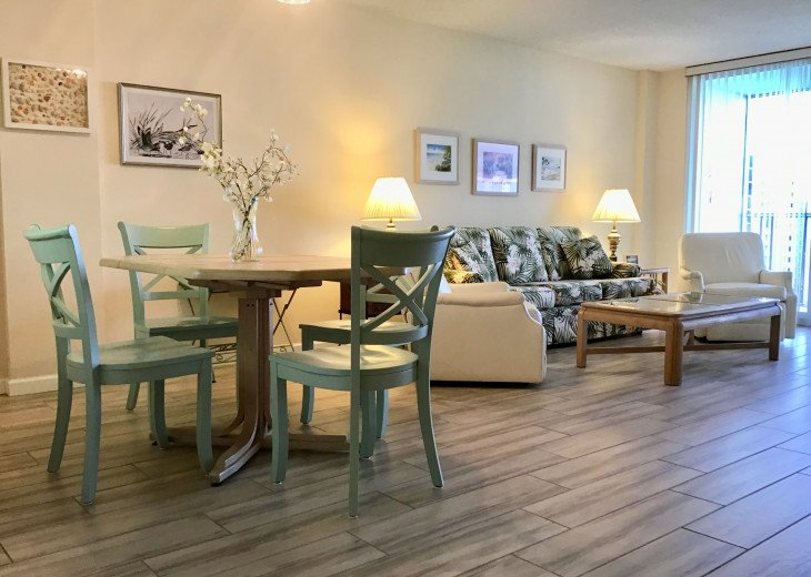 December special at off season monthly rate! Comfortable Condo Naples #4
