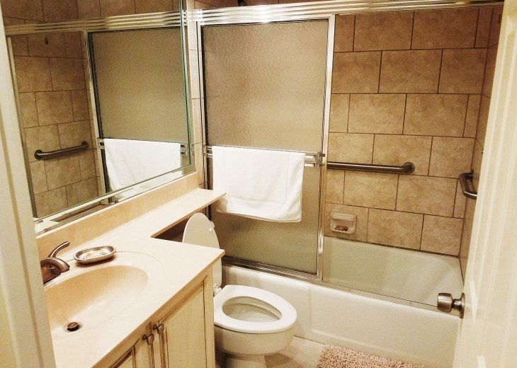 Private Guest Bath Tub/Showe Combo All Linens are Supplied New Cabinets