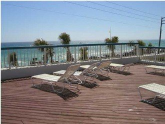 Sun Deck Facing The Gulf Listen to Music Read a Book Enjoy the Sun and Relas :0