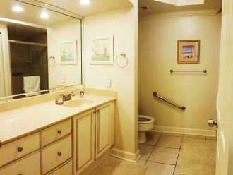 Private Master Bath Large Walk-in Shower All Linens Are Supplied Washer/Dryer