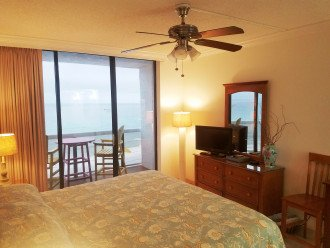Private balcony with breathtaking views of the Gulf & east and west shoreline.
