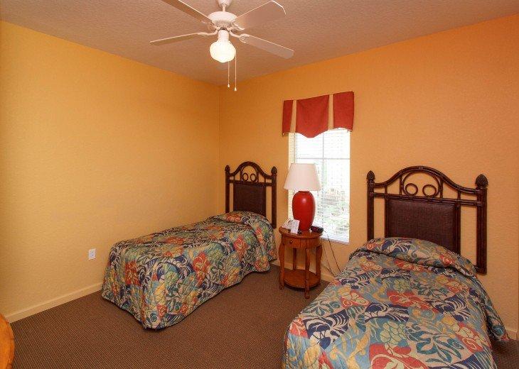 Luxury Resort Condo-3 Bdrm,$800/Week. Free WIFI & Shuttle #19