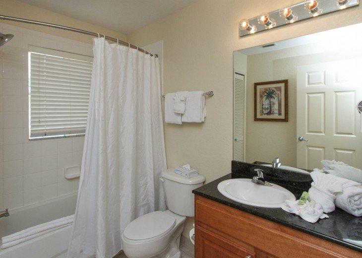 Luxury Resort Condo-3 Bdrm,$800/Week. Free WIFI & Shuttle #17