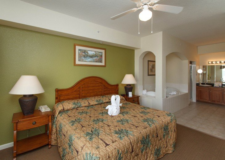 Luxury Resort Condo-3 Bdrm,$800/Week. Free WIFI & Shuttle #13