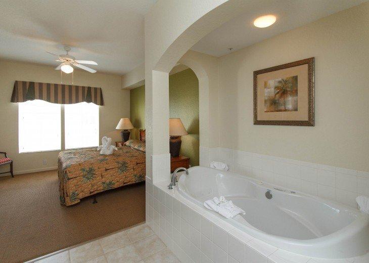 Luxury Resort Condo-3 Bdrm,$800/Week. Free WIFI & Shuttle #15