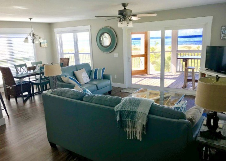 Gulf Front!Newly renovated!Screen Porch!Fire Pit!Sundeck!Beach Equipment! #5