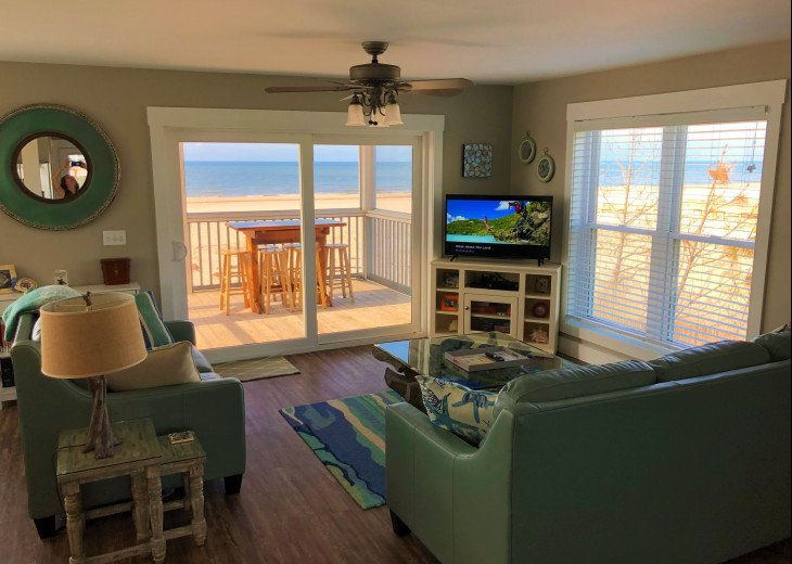 Gulf Front!Newly renovated!Screen Porch!Fire Pit!Sundeck!Beach Equipment! #6