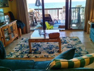 LR w/2 Queen sleepers: can be used simultaneously; view to beach deck; grill