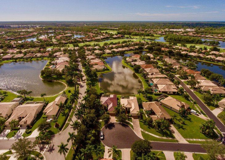 Home with private pool & spa in 5-star Lely Resort Golf Community. #37