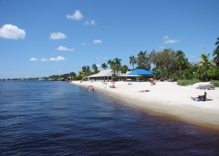 Buttonwood Bay SW Cape Coral Waterfront - Long perfect days with perfect endings #28