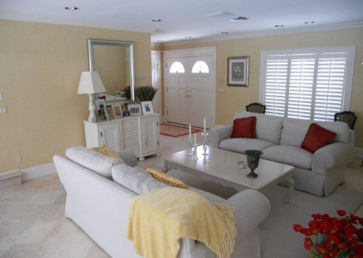 SPECIAL RATES UPON RQST* Charming Old Naples home 75 yards to the Naples beach #12