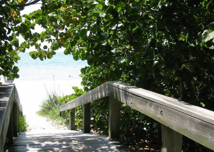 SPECIAL RATES UPON RQST* Charming Old Naples home 75 yards to the Naples beach #13