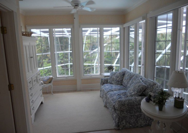SPECIAL RATES UPON RQST* Charming Old Naples home 75 yards to the Naples beach #24