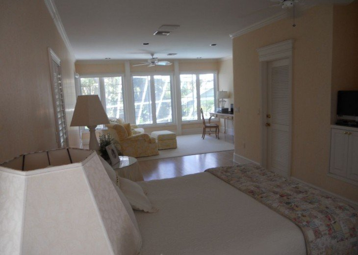 SPECIAL RATES UPON RQST* Charming Old Naples home 75 yards to the Naples beach #16