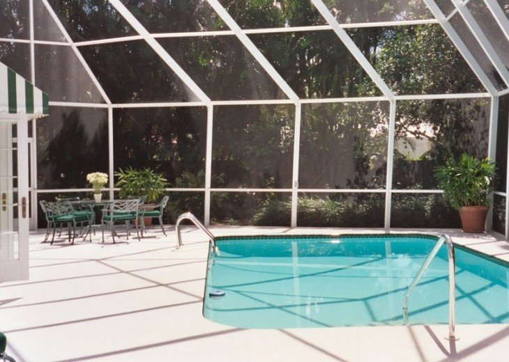 SPECIAL RATES UPON RQST* Charming Old Naples home 75 yards to the Naples beach #5