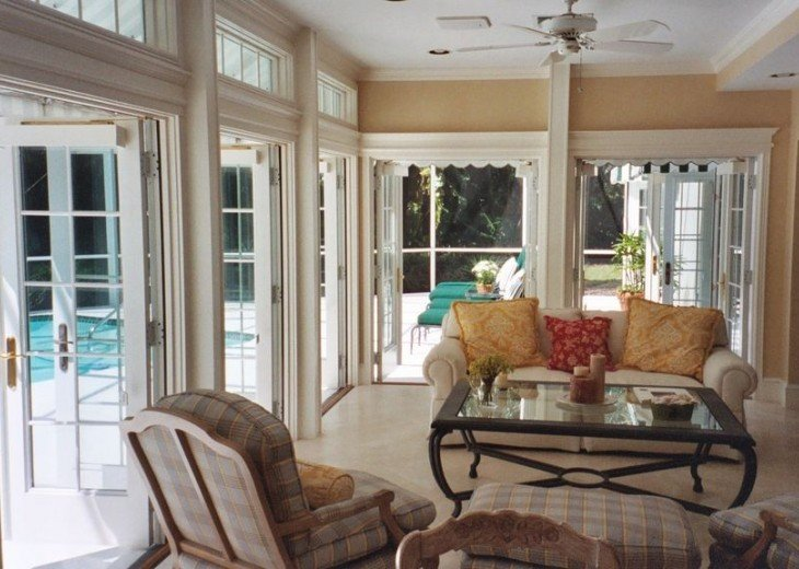 SPECIAL RATES UPON RQST* Charming Old Naples home 75 yards to the Naples beach #9