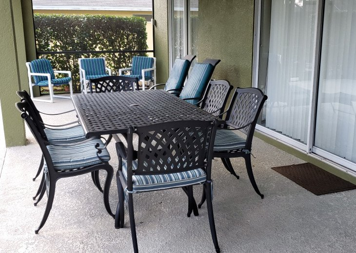 7-Piece Dining Set on the Pool Deck
