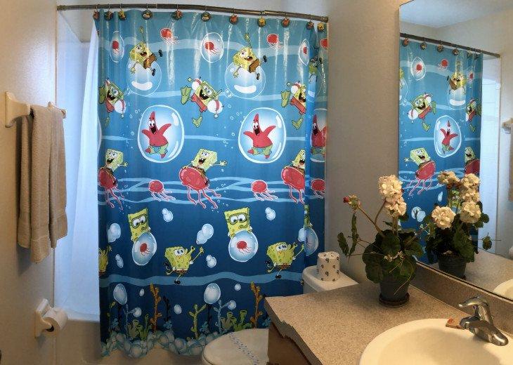 Sponge-Bob Bathroom between Children's Bedrooms