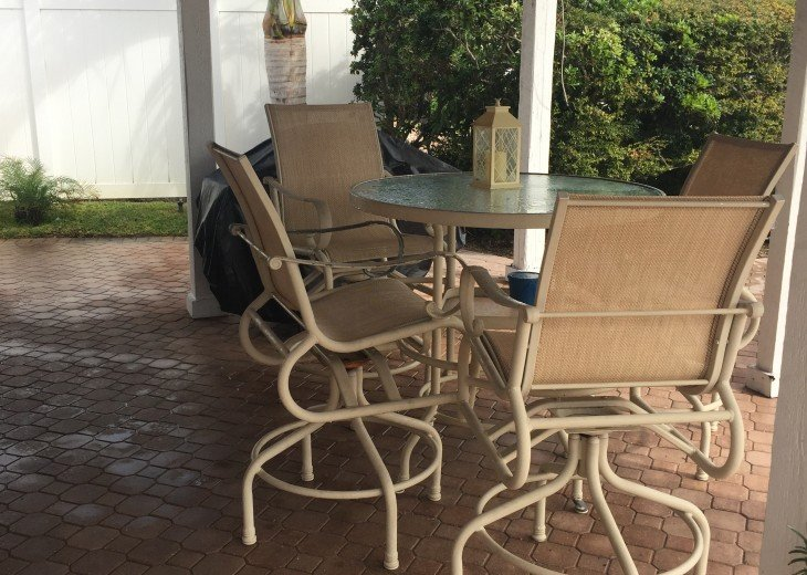 Outdoor Patio - Additional Dining - Hightop Table