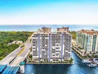 Waterfront, oceanview condo, walk to beach! #1