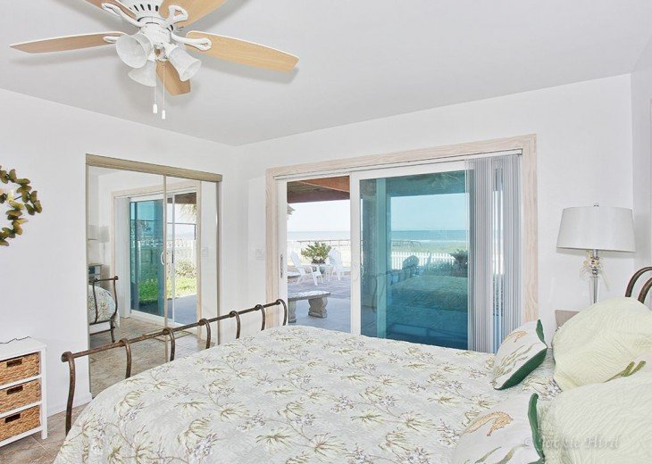 Sundance luxury beach house on ocean, No roads to cross 57 -5 star reviews #16