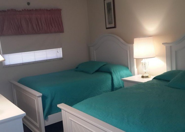 Guest bedroom - 2 Full beds