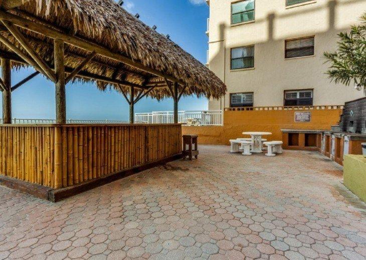 Tiki Cabana and Bar B Que pits